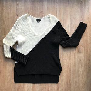 Trouve Colorblock Vneck Sweater